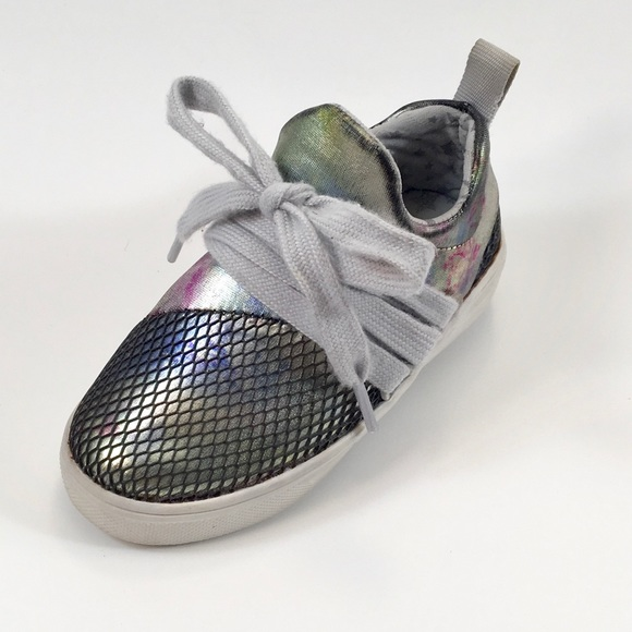 Steve Madden Other - Madden Girl Metallic Lace Up Sneaker
